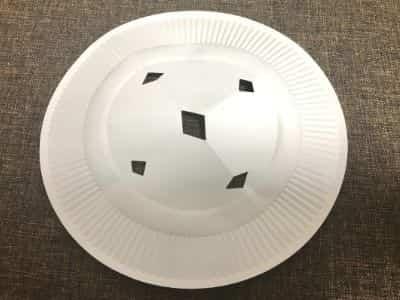 紙皿を落し蓋の代用として使う