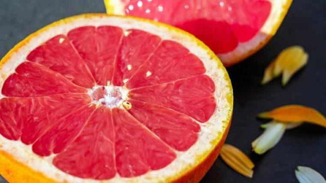 驚愕!簡単にグレープフルーツの皮をむく方法