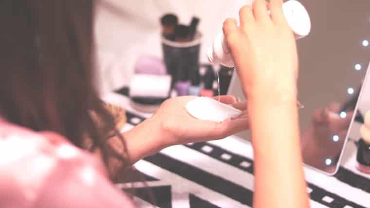 捨てないで!余った化粧水は再利用しよう!利用法4選